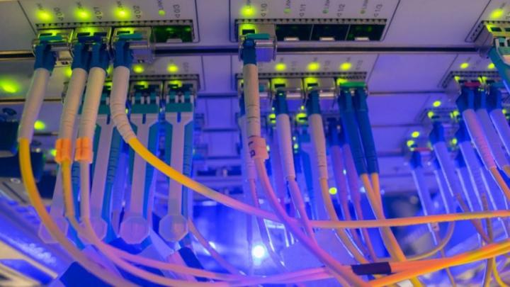 Internet com velocidades de 1.25Gbps de download e 1.25Gbps upload?