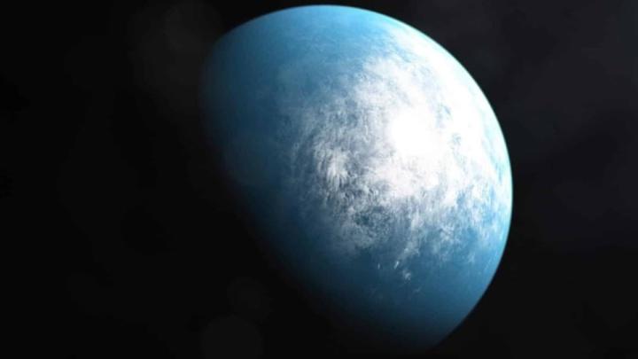 Ilustração do TOI 700 d, um planeta que tem o tamanho da Terra e poderá ser habitável