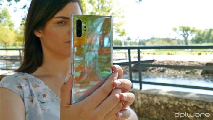 Google considera que filtros de beleza nas câmaras são maus para a saúde mental