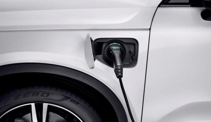 """Marcas de carros elétricos revoltadas contra """"nova"""" medida do Governo"""