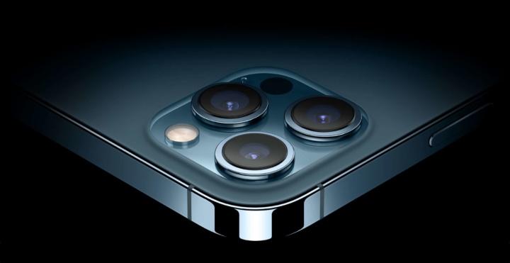 iPhone 11 Pro bate o iPhone 12 Pro em autonomia (em vídeos)