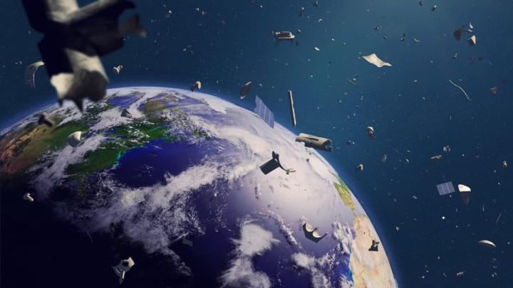 Imagem de lixo espacial que envolve a Terra