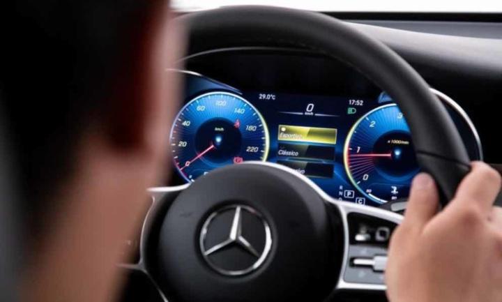Venda de carros em Portugal cai! BMW e Mercedes-Benz aguentam-se
