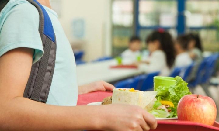 COVID-19: Pais pagam até 5% para carregamento de cartões de refeições