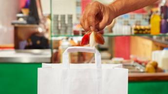 Pacotes de molho biodegradáveis e comestíveis
