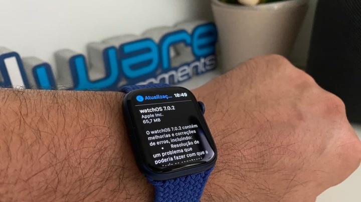 Imagem watchOS 7.0.2 no Apple Watch 6
