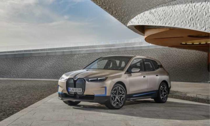 BMW iX: Novo elétrico com tecnologia 5G (mas não é o que está a pensar)