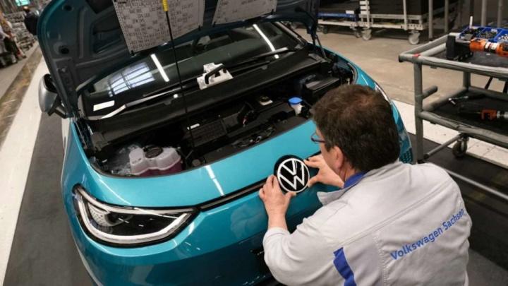 Tesla Volkswagen carros elétricos baratos