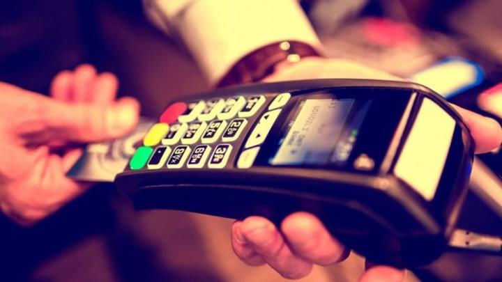 Imagem pagamento por terminal multibanco SIBS nos restaurantes
