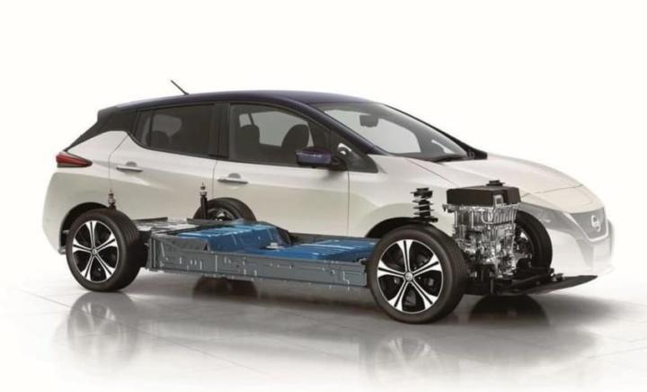 Novo Recorde: 74 mil euros para trocar a bateria de um Nissan LEAF