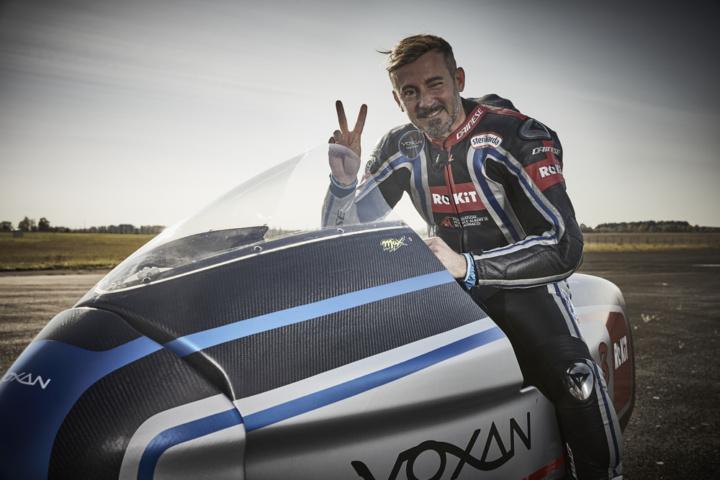 Max Biaggi alcança recorde de 408 km/h com uma moto elétrica