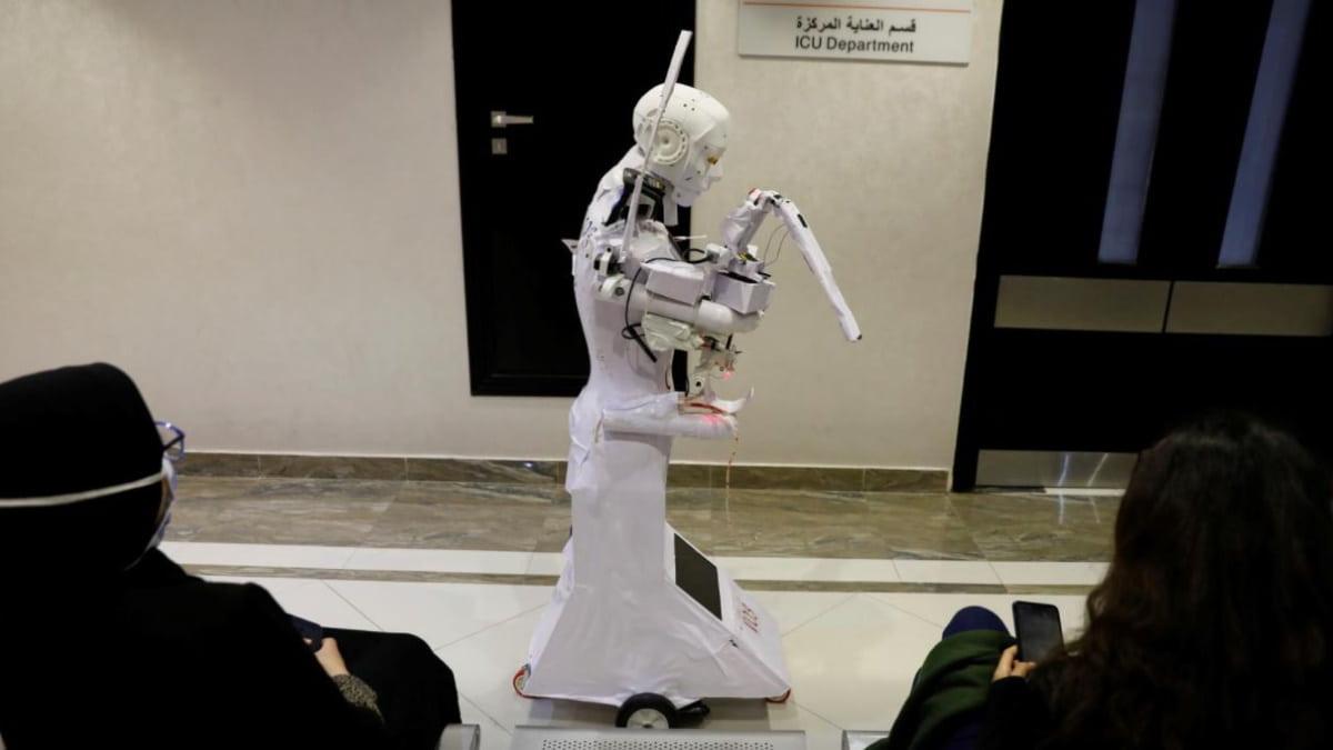 Robô para testar pacientes suspeitos de COVID-19