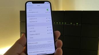 Imagem iPhone com endereços WiFi privados no iOS 14