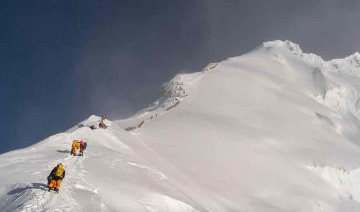 Alerta: Encontrados microplásticos no Evereste (a mais de 8 mil metros de altitude)