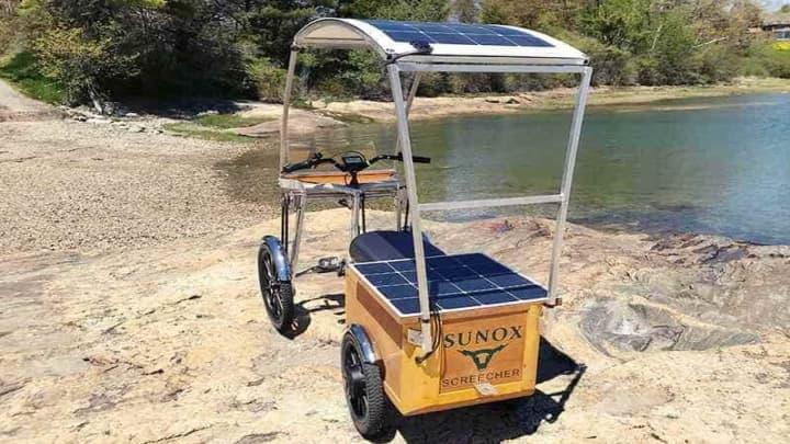 Screecher: Uma bicicleta elétrica e solar com 30 quilómetros de autonomia