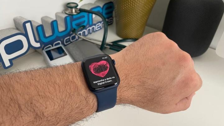 Imagem Apple Watch para medir a pressão arterial