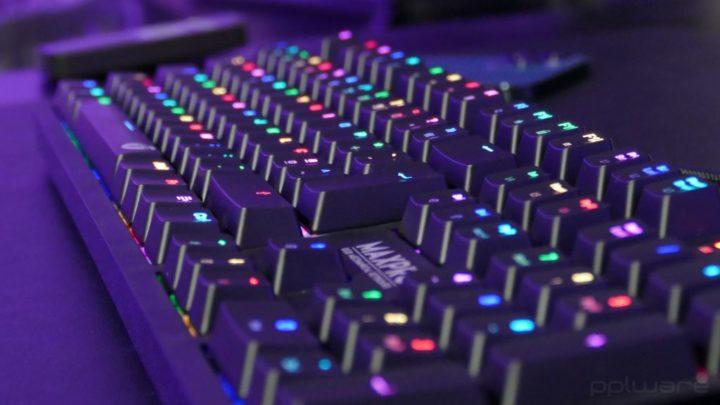 Análise: Teclado mecânico Fantech Max Pro MK851 RGB