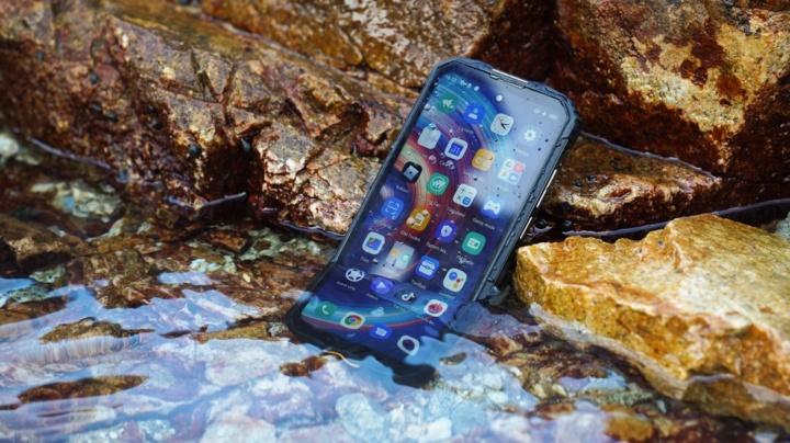 Procura um smartphone todo-terreno de topo? Conheça o Oukitel WP10 5G