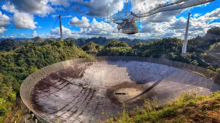 Radiotelescópio de Arecibo: O Maior radiotelescópio fixo do mundo colapsou