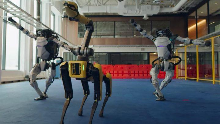 Imagem dos robôs Spot e Atlas da Boston Dynamics