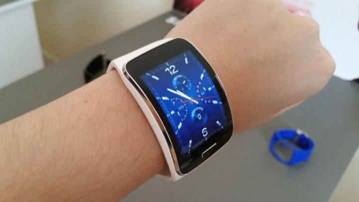 Novos smartphones Samsung deixarão de ser compatíveis com relógios mais antigos