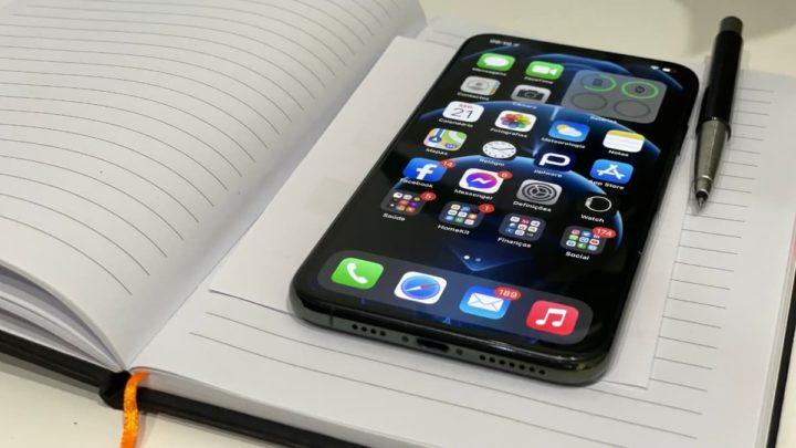 Imagem iPhone 11 com Mensagens jornalistas