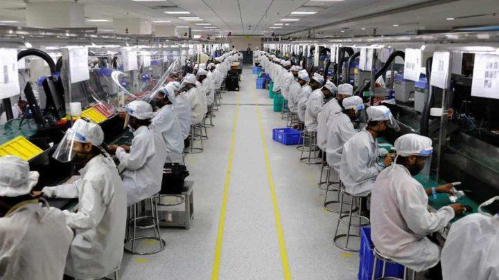 Funcionários vandalizam fábrica de iPhones e acabam detidos