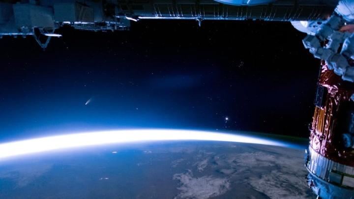 Imagem de OVNIS captados pela ISS e mostrados pela NASA