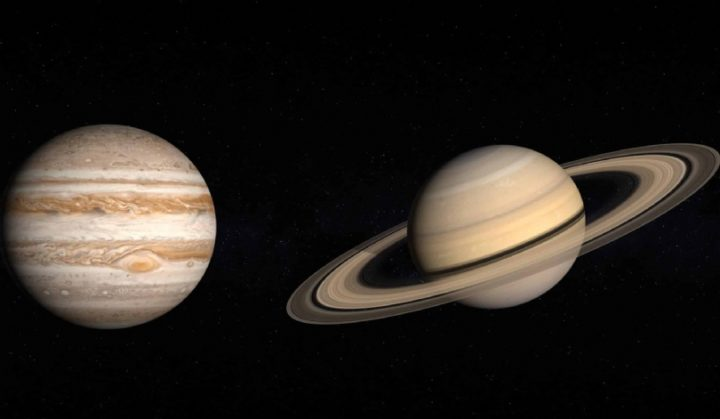 Maior alinhamento de Júpiter e Saturno acontece esta segunda-feira