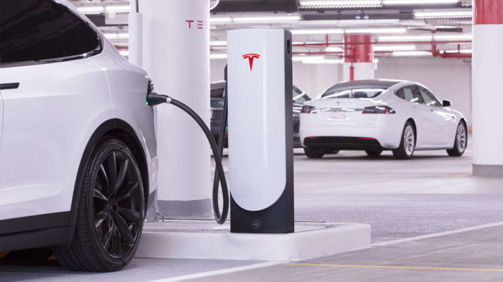 Elon Musk Superchargers Tesla carros elétricos
