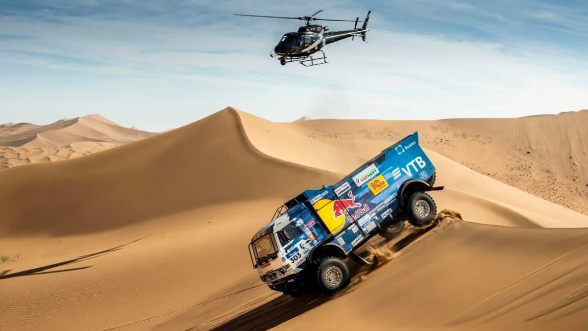 Imagem do camião de Anton Shibalov que chocou com o helícopero no Dakar