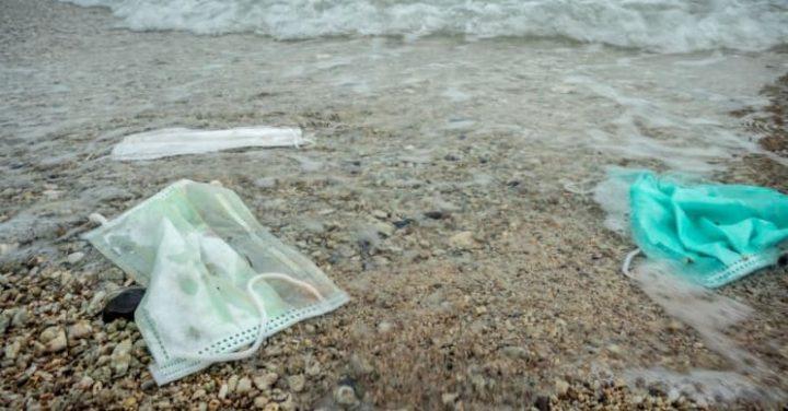 COVID-19: Mais de mil milhões de máscaras vão parar aos oceanos