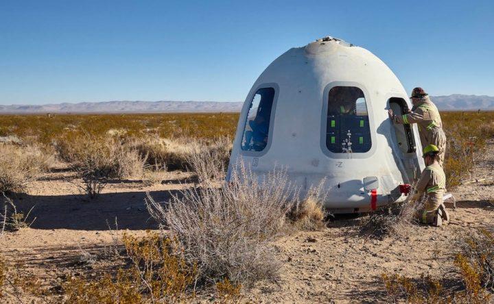 Imagem do foguetão New Shepard da Blue Origin, empresa de Jeff Bezos