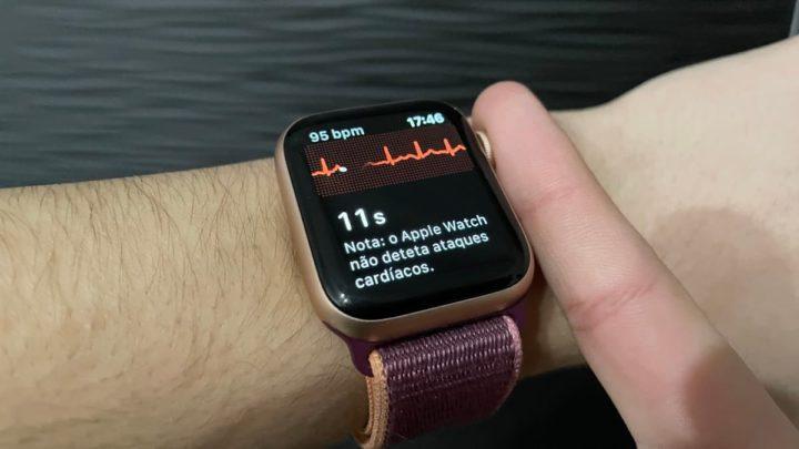Imagem Apple Watch a fazer um ECG