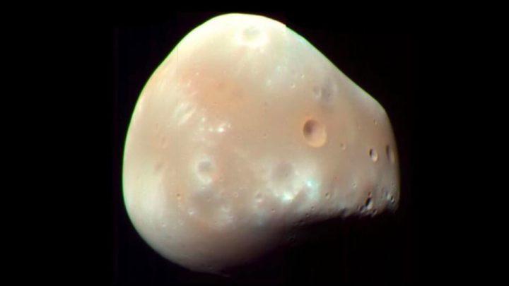 Imagem de Deimos, uma das duas luas de Marte