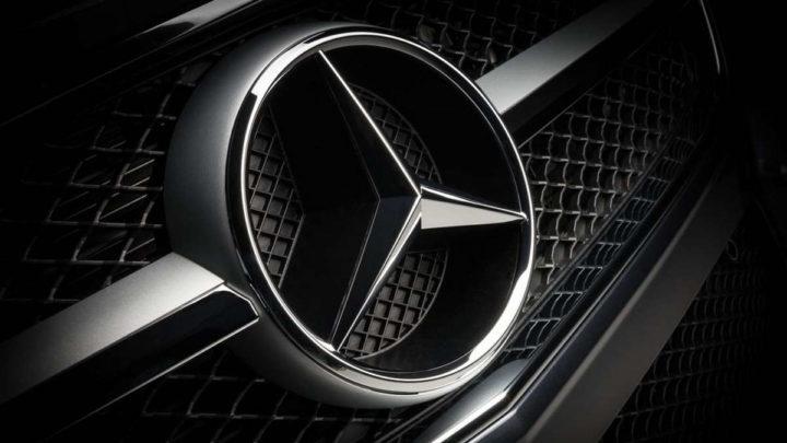Mercedes-Benz carros eCall emergência recolha