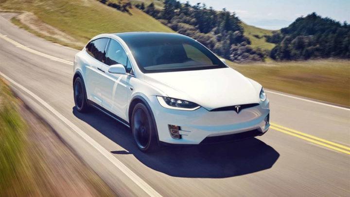 Tesla Model X recolha problemas marca