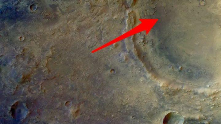 Imagem cratera Jezero em Marte apresentada pela NASA