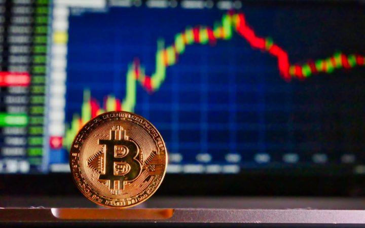 """Bitcoin dispara 15%! Agora a """"culpa"""" é da retalhista Amazon"""
