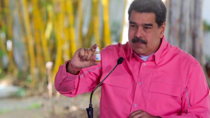 Imagem Nicolás Maduro com as gotas milagrosas Carvativir