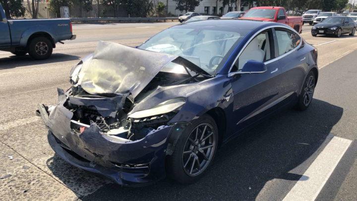 Tesla autopilot NHTSA acidentes carros