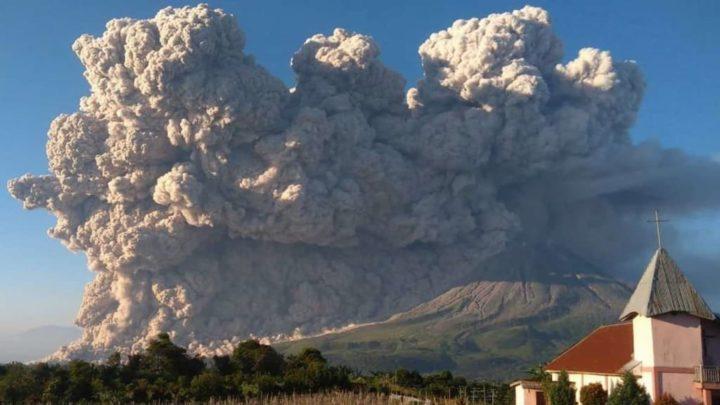 Καταστρέφοντας το ηφαίστειο Sinabung