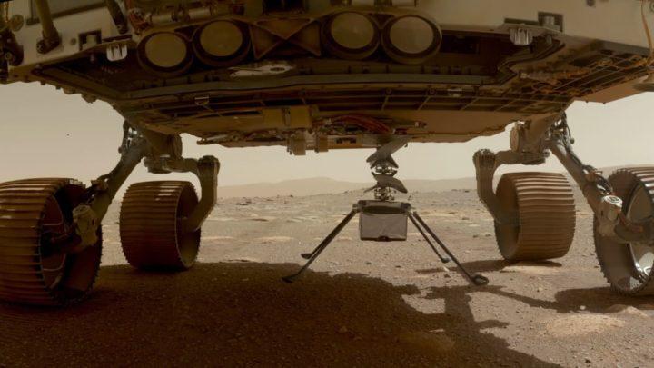 Imagem da Perseverance a largar o drone Ingenuity no solo de Marte