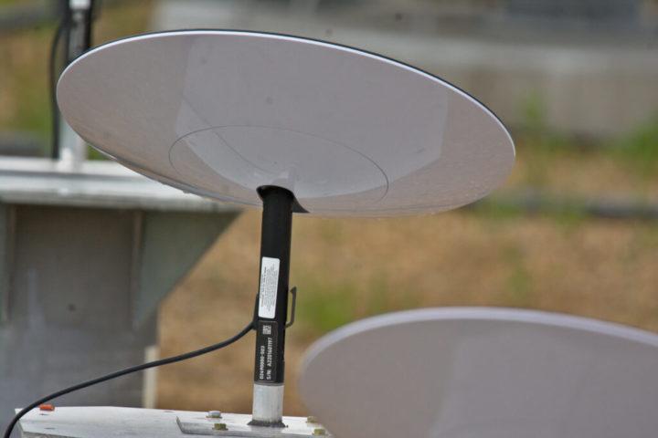 Internet da Starlink já funciona a 300 Mbps (Mesmo com antenas com gelo)