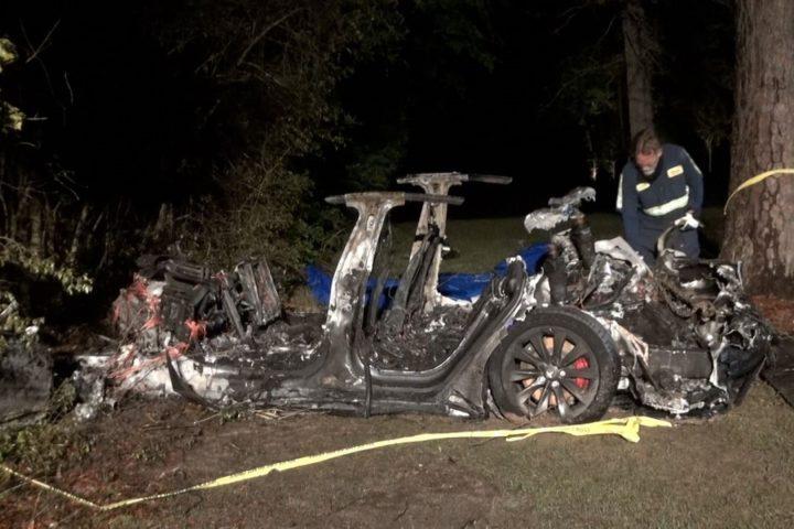 O estranho acidente com o Tesla Model S! O que diz Elon Musk?