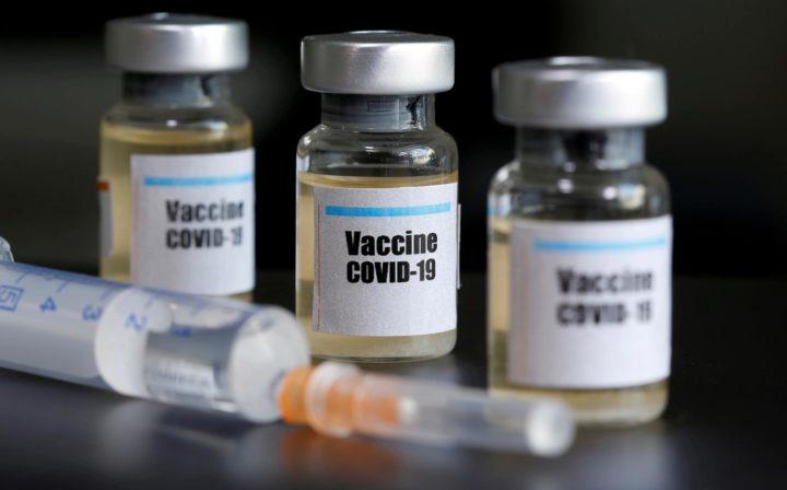 Maiores de 65 anos podem pedir vacina nos Espaços Cidadão
