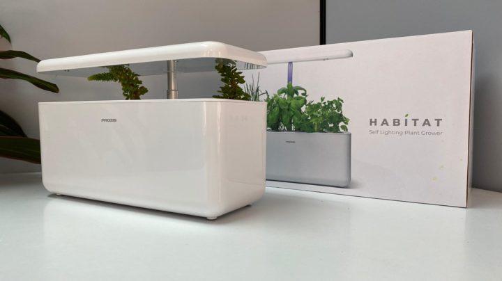 Habitat: Cultivo hidropónico num equipamento autoiluminante