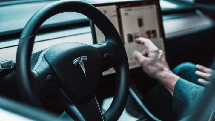 Tesla Full Self Driving Elon Musk testes condutores