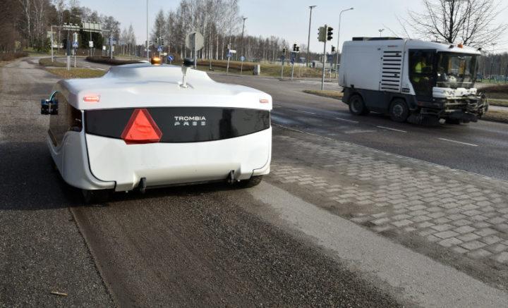 Trombia Free: O robô autónomo que limpa as ruas