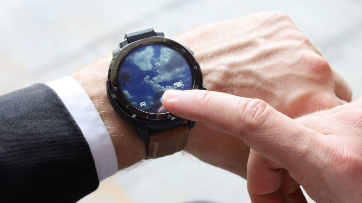 Smartwatch KOSPET Optimus 2 - o seu próximo telefone de pulso com câmara retrátil